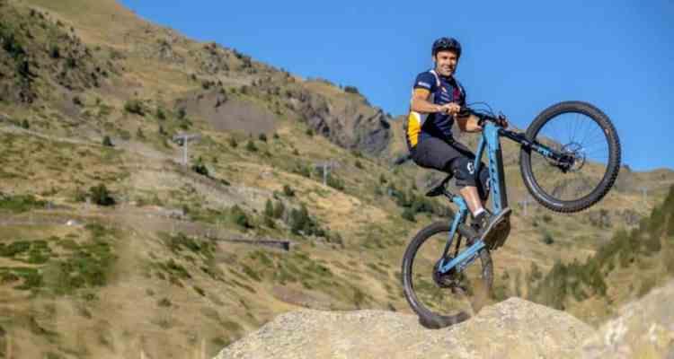 Toni Bou mountain bike