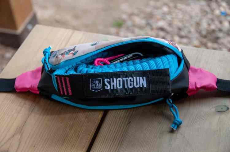 Cinta Shotgun dentro de la riñonera