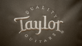 テイラーギターのギターケースのロゴ