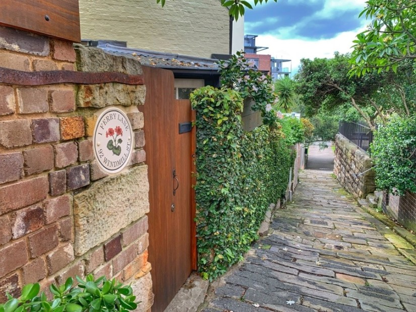 Ferry Lane -Colony History Walk - The Australian Hotel to Dawes Point