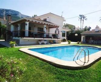 Dénia,Alicante,España,4 Bedrooms Bedrooms,3 BathroomsBathrooms,Chalets,17078