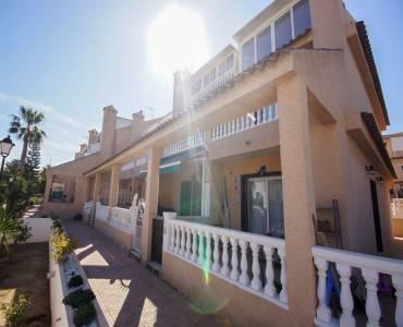 Torrevieja,Alicante,España,4 Bedrooms Bedrooms,2 BathroomsBathrooms,Adosada,25078