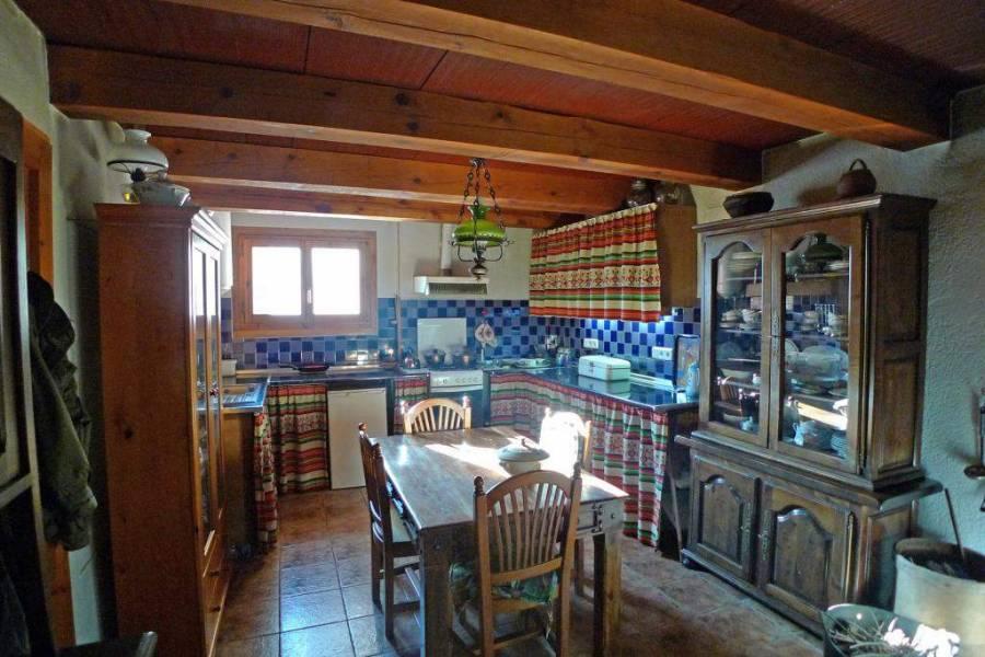 Castell de Castells,Alicante,España,2 Bedrooms Bedrooms,2 BathroomsBathrooms,Chalets,29780