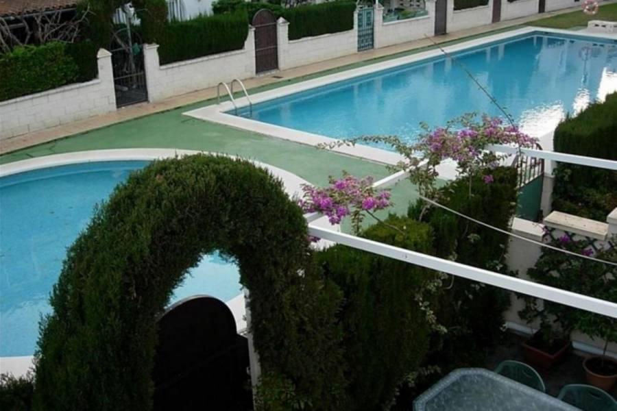 Alicante,Alicante,España,3 Bedrooms Bedrooms,2 BathroomsBathrooms,Adosada,33918