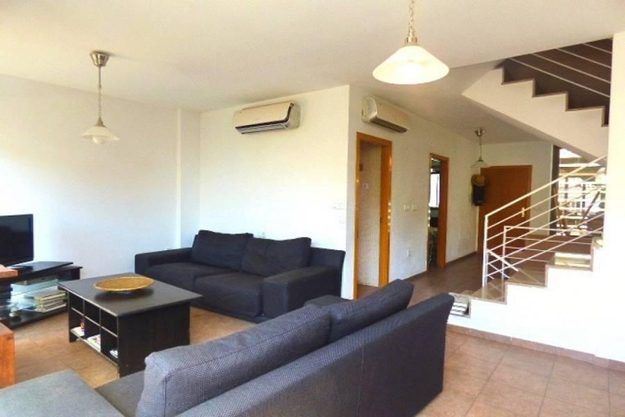 Alicante,Alicante,España,5 Bedrooms Bedrooms,1 BañoBathrooms,Adosada,34506