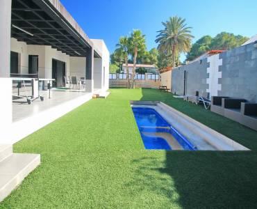 Torrevieja,Alicante,España,4 Bedrooms Bedrooms,2 BathroomsBathrooms,Casas,35006