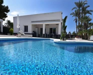 Elche,Alicante,España,3 Bedrooms Bedrooms,5 BathroomsBathrooms,Chalets,39381