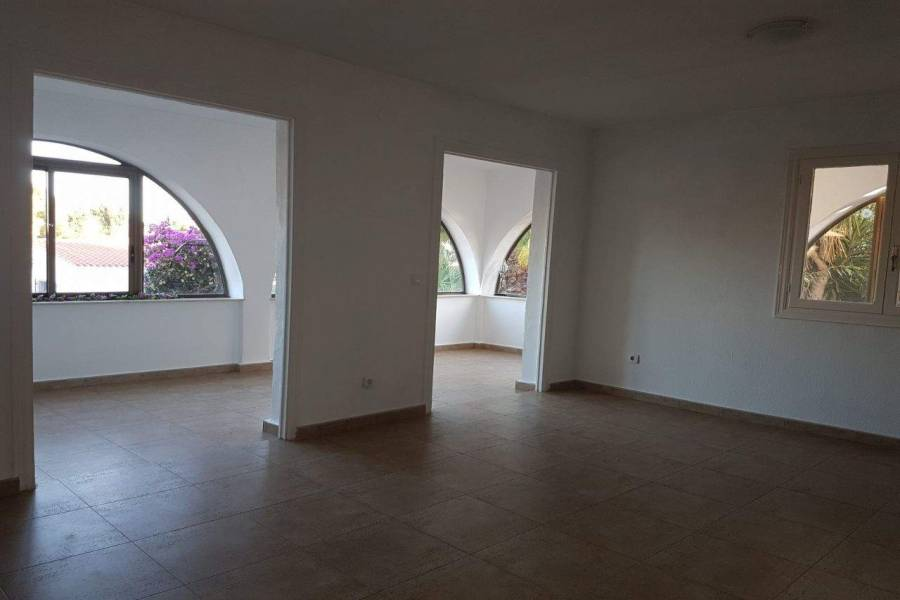 La Nucia,Alicante,España,3 Bedrooms Bedrooms,2 BathroomsBathrooms,Chalets,39809
