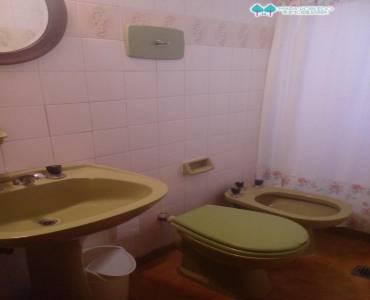 Pinamar,Buenos Aires,Argentina,4 Bedrooms Bedrooms,3 BathroomsBathrooms,Casas,DEL CENTAURO,4483