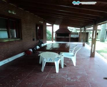Carilo,Buenos Aires,Argentina,4 Bedrooms Bedrooms,3 BathroomsBathrooms,Casas,PALMERA,4494