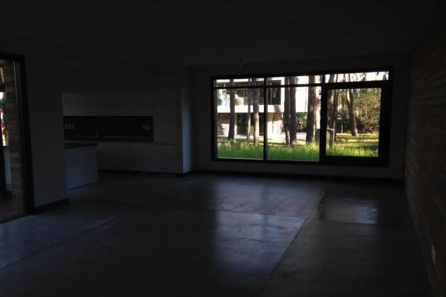Maldonado, Uruguay, 3 Bedrooms Bedrooms, ,2 BathroomsBathrooms,Casas,Venta,41844