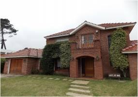 Punta del Este, Maldonado, Uruguay, 3 Bedrooms Bedrooms, ,2 BathroomsBathrooms,Casas,Venta,42189