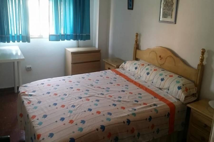 Torremolinos,Málaga,España,4 Bedrooms Bedrooms,1 BañoBathrooms,Pisos,5050
