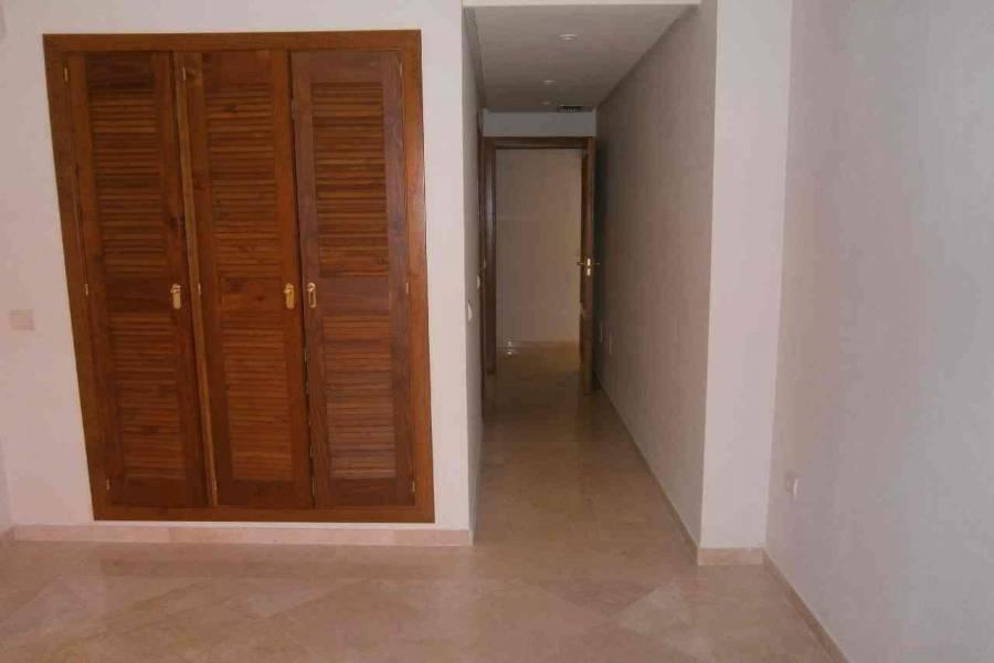 Marbella,Málaga,España,3 Bedrooms Bedrooms,2 BathroomsBathrooms,Apartamentos,5056