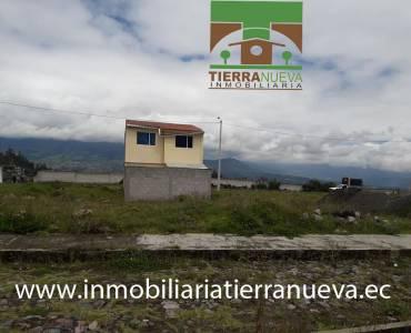 Se vende un hermoso lote de terreno en Otavalo sector Carabuela, con un área de 180m2 con todos los servicios básicos, agua potable, luz y alcantarillado, es un lugar tranquilo y rodeado de hermosa naturaleza.          PRECIO: USD17.500 Para mayor información y ventas visítanos en nuestra oficina: INMOBILIARIA TIERRA NUEVA Dirección Otavalo, Calle Piedrahita Nº 4-31 y Bolívar. Teléfonos: fijo: (06) 2927429  /  (02) 21110999  /  0998481848  /  0980561293 Whatsapp:  593980247008 https://chat.whatsapp.com/HfA6fXdTBcq7LDQ4iW1esD Website: www.inmobiliariatierranueva.ec Email: info@inmobiliariatierranueva.ec OTAVALO - ECUADOR