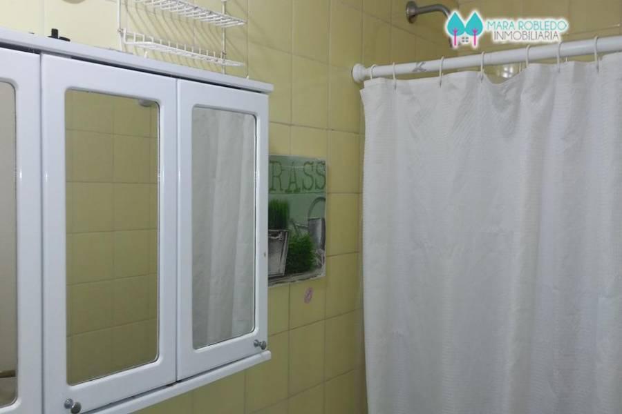 Pinamar,Buenos Aires,Argentina,5 Bedrooms Bedrooms,3 BathroomsBathrooms,Casas,AV. LIBERTADOR ,5725