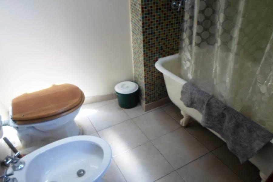 Flores,Capital Federal,Argentina,2 Bedrooms Bedrooms,1 BañoBathrooms,PH Tipo Casa,SAN PEDRITO,6465