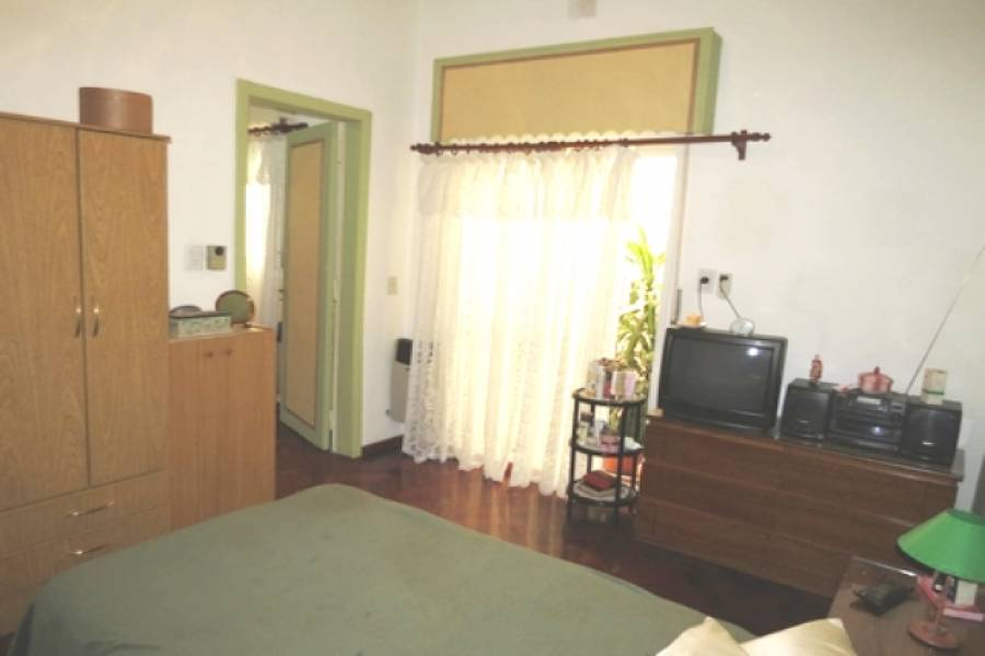Flores,Capital Federal,Argentina,2 Bedrooms Bedrooms,1 BañoBathrooms,Apartamentos,ARANGUREN ,6666