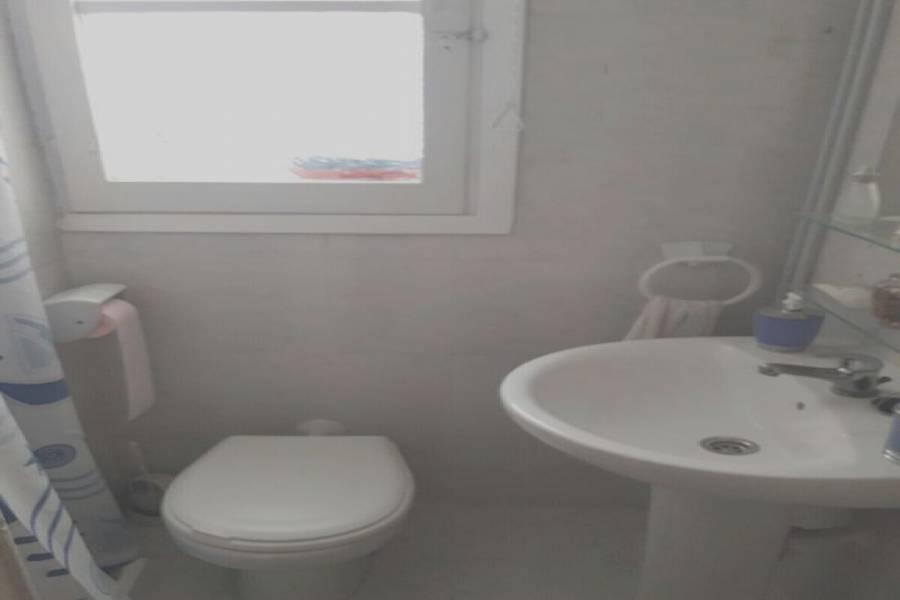 Alicante,Alicante,España,3 Bedrooms Bedrooms,1 BañoBathrooms,Pisos,8212