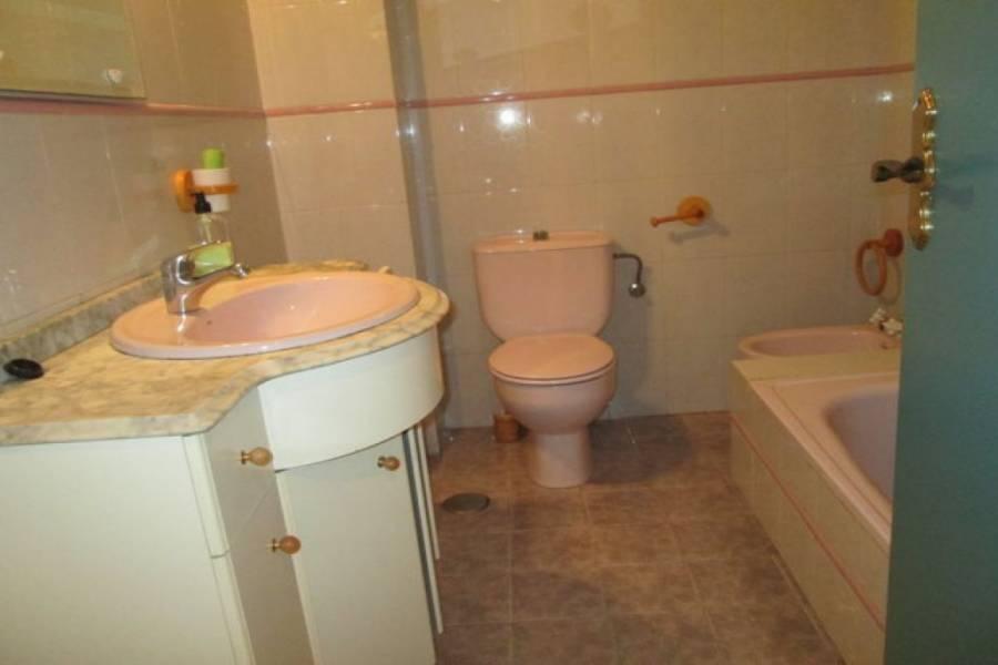 Alicante,Alicante,España,3 Bedrooms Bedrooms,1 BañoBathrooms,Pisos,8412