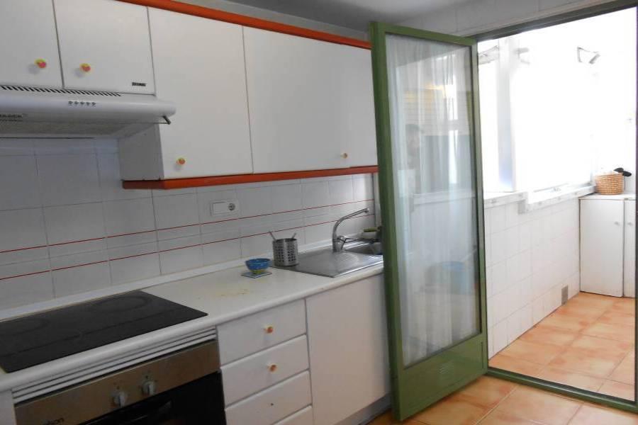 Alicante,Alicante,España,3 Bedrooms Bedrooms,2 BathroomsBathrooms,Pisos,8814