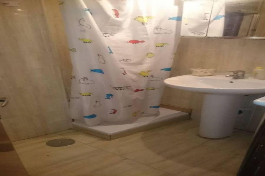 Alicante,Alicante,España,3 Bedrooms Bedrooms,1 BañoBathrooms,Pisos,9006