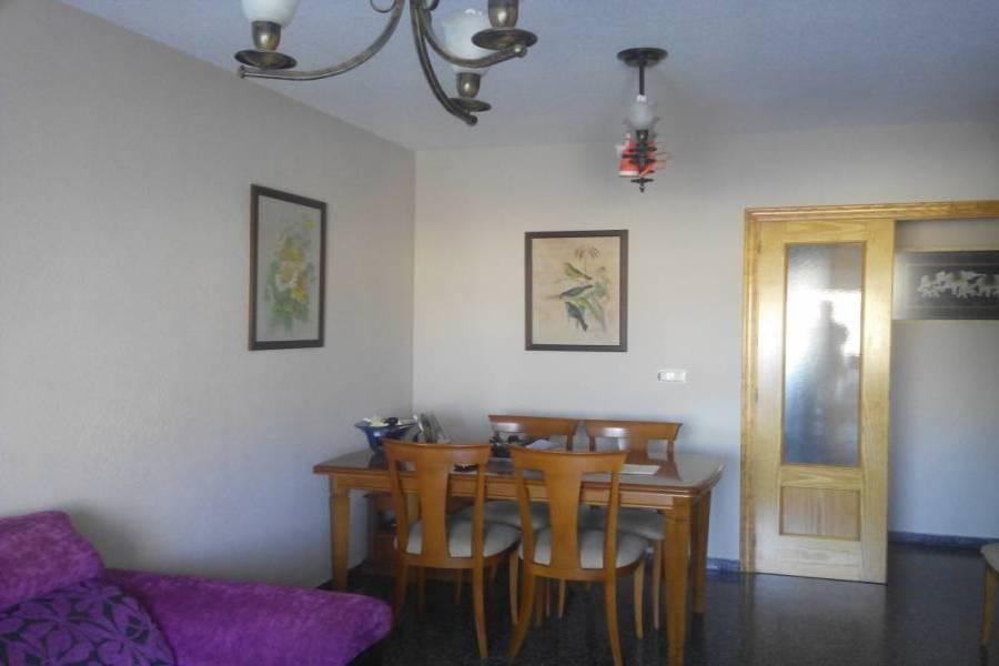 Alicante,Alicante,España,4 Bedrooms Bedrooms,2 BathroomsBathrooms,Pisos,9394