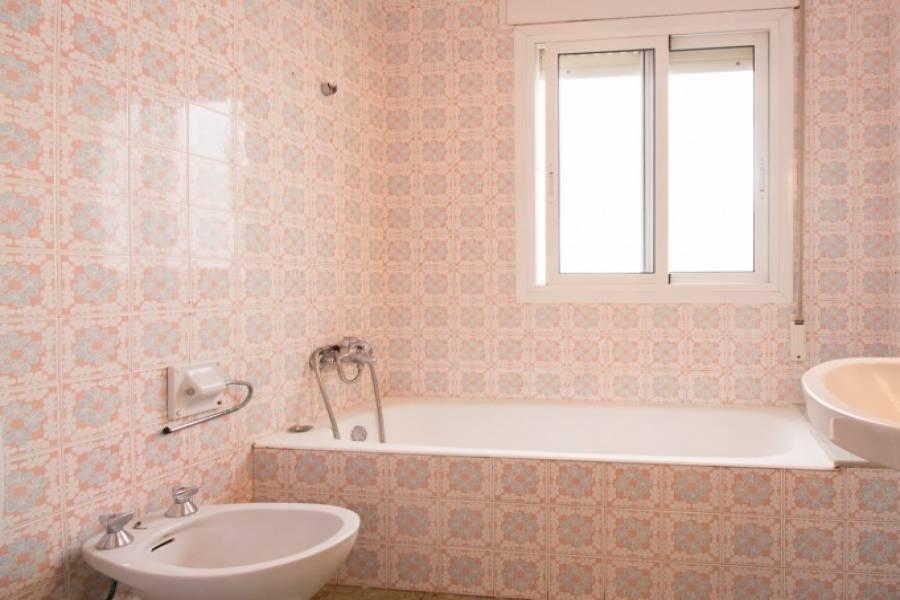 Dénia,Alicante,España,4 Bedrooms Bedrooms,1 BañoBathrooms,Pisos,9481