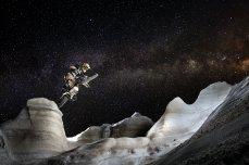 Julien Dupont Moonriding in Milos_Grecia_Fo tógrafo Samo Vidic_Red Bull Content Pool