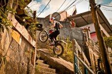 Julien Dupont Trial X Sessions Rio de Janeiro_Action_Fotógrafo Guilber Hidaka_Red Bull Content Pool