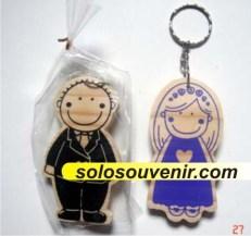 Souvenir Pernikahan Gantungan Kunci couple love