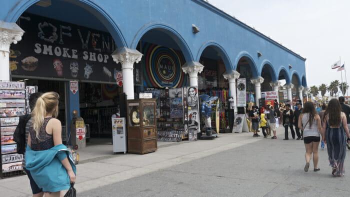 https://i2.wp.com/solotravelerblog.com/wp-content/uploads/2014/03/Venice-Beach-California.jpg