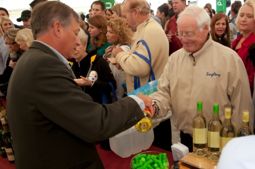 During Clearwater Beach Uncorked, enjoy delicious tastings from the area's most renowned restaurants, along with savory wines, craft beers, and micro-brews from over 100 different wineries.