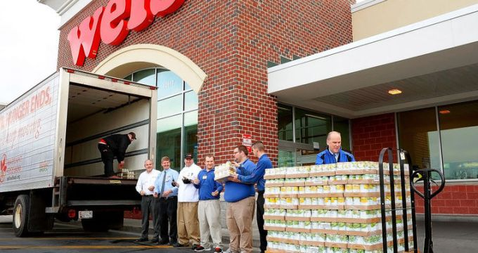 Supermarket prompts shoppers to donate to food bank