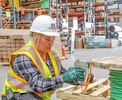 Hard Hat Safety Head Protection Tips With Ppe Basics Osha Guidelines