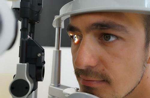 Glaucoma testing of eye