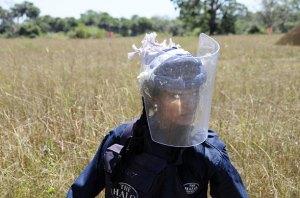clearing-landmines-011
