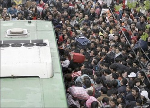 crowded_train_stations_in_china_17_1