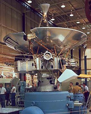 pioneer_10_final_stages_manufacturing_nasa
