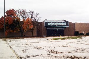 abandoned-big-box-Malls_Shopping_Centers_Closed_Empty_Parking_Lots_Candor_Ames