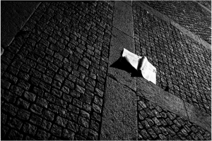 Flying_Paper_Planes_Newspapers_Flight_Pathway_Roads_Stone_Brick_Air