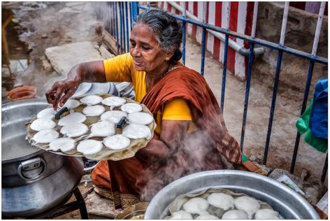 Idly_Road_Vendor_Paatti_Street_Eat_Tiffin_South_India_Tamil_Nadu_TN_Breakfast
