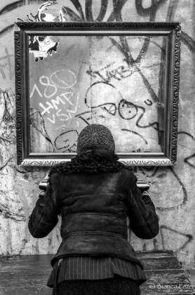 Wall_Frame_Look_Women_She_Lady_Graffiti