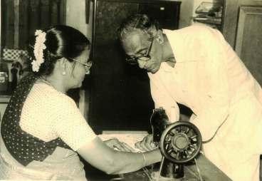 அசோகமித்திரன், மனைவியுடன். நன்றி : 'காலம்' இதழ்