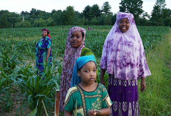 Somali Bantu women and girls in the field