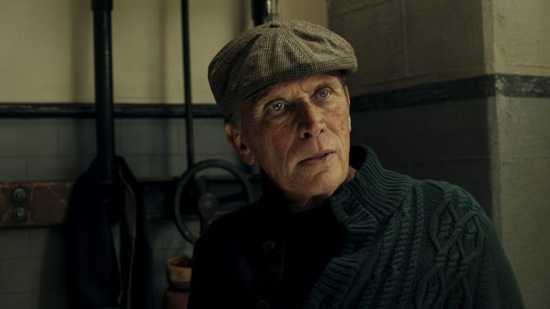 The Last Ship 404 - Dr. Paul Vellek (Peter Weller)