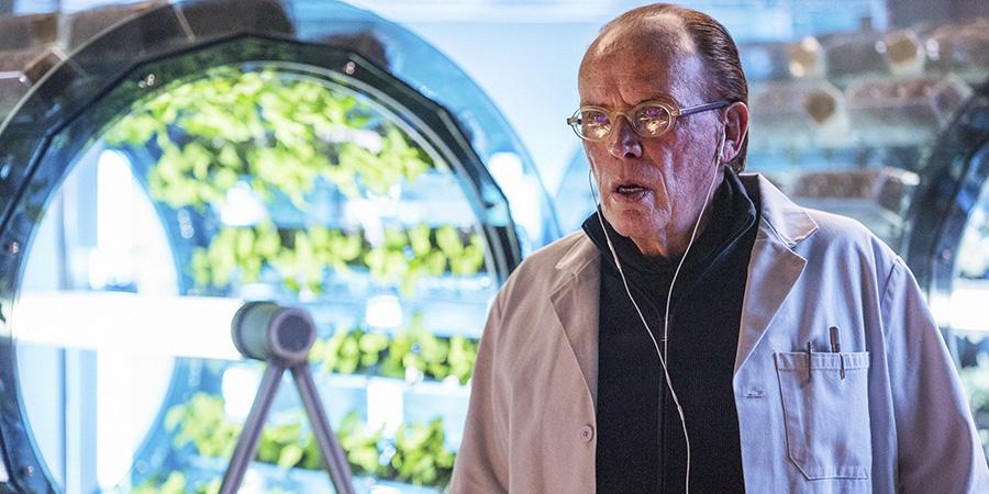 The Last Ship Season 4 Finale - Dr. Vellek (Peter Weller)