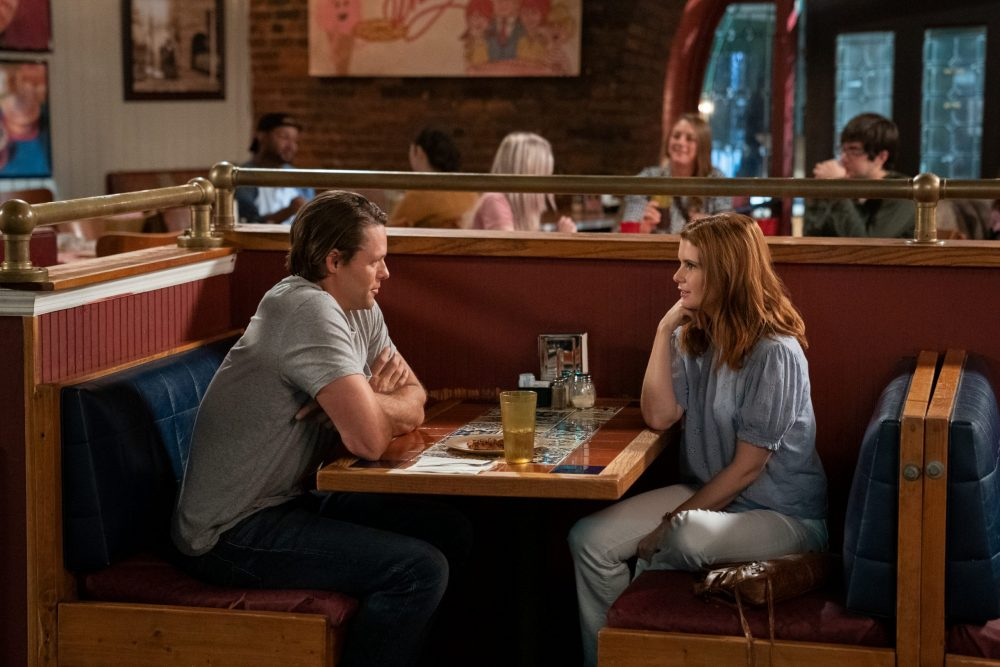 SWEET MAGNOLIAS (L TO R) JUSTIN BRUENING as CAL MADDOX and JOANNA GARCIA SWISHER as MADDIE TOWNSEND in episode 104 of SWEET MAGNOLIAS Cr. ELIZA MORSE/NETFLIX © 2020