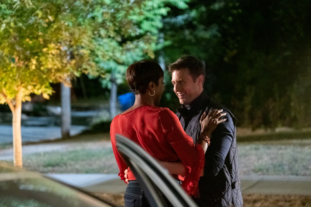 SWEET MAGNOLIAS (L TO R) HEATHER HEADLEY as HELEN DECATUR and MICHAEL SHENEFELT as RYAN WINGATE in episode 108 of SWEET MAGNOLIAS Cr. ELIZA MORSE/NETFLIX © 2020