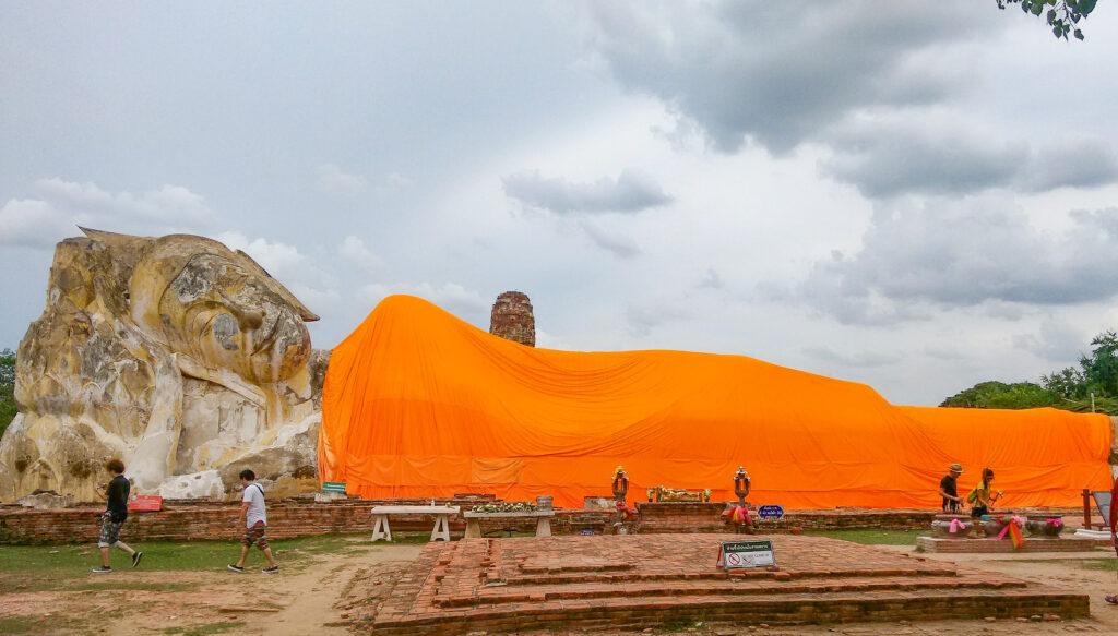 Reclining Buddha or Phra Bhuddhasaiyart, Ayuthaya